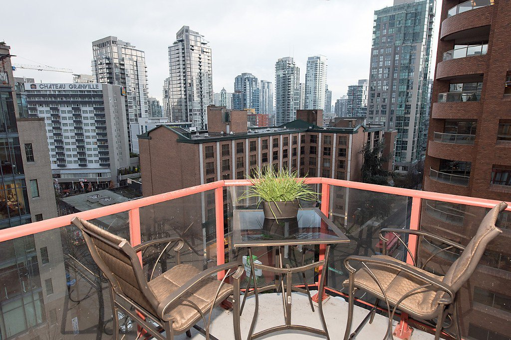 """Photo 14: Photos: 1002 811 HELMCKEN Street in Vancouver: Downtown VW Condo for sale in """"Imperial Tower"""" (Vancouver West)  : MLS®# R2022675"""