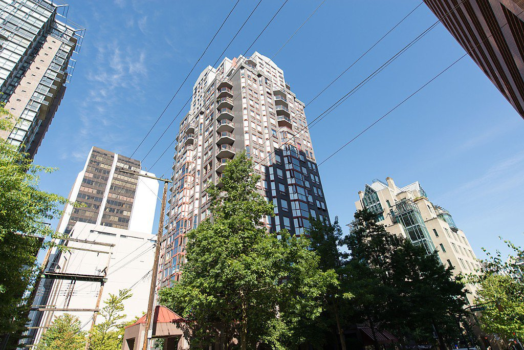 """Photo 24: Photos: 1002 811 HELMCKEN Street in Vancouver: Downtown VW Condo for sale in """"Imperial Tower"""" (Vancouver West)  : MLS®# R2022675"""