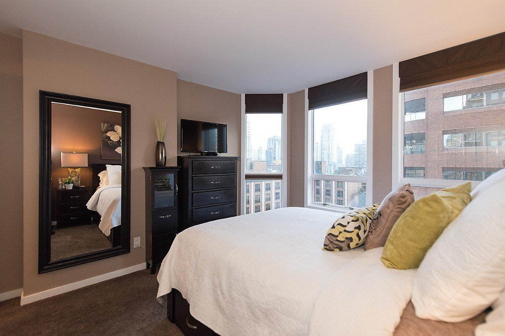 """Photo 17: Photos: 1002 811 HELMCKEN Street in Vancouver: Downtown VW Condo for sale in """"Imperial Tower"""" (Vancouver West)  : MLS®# R2022675"""