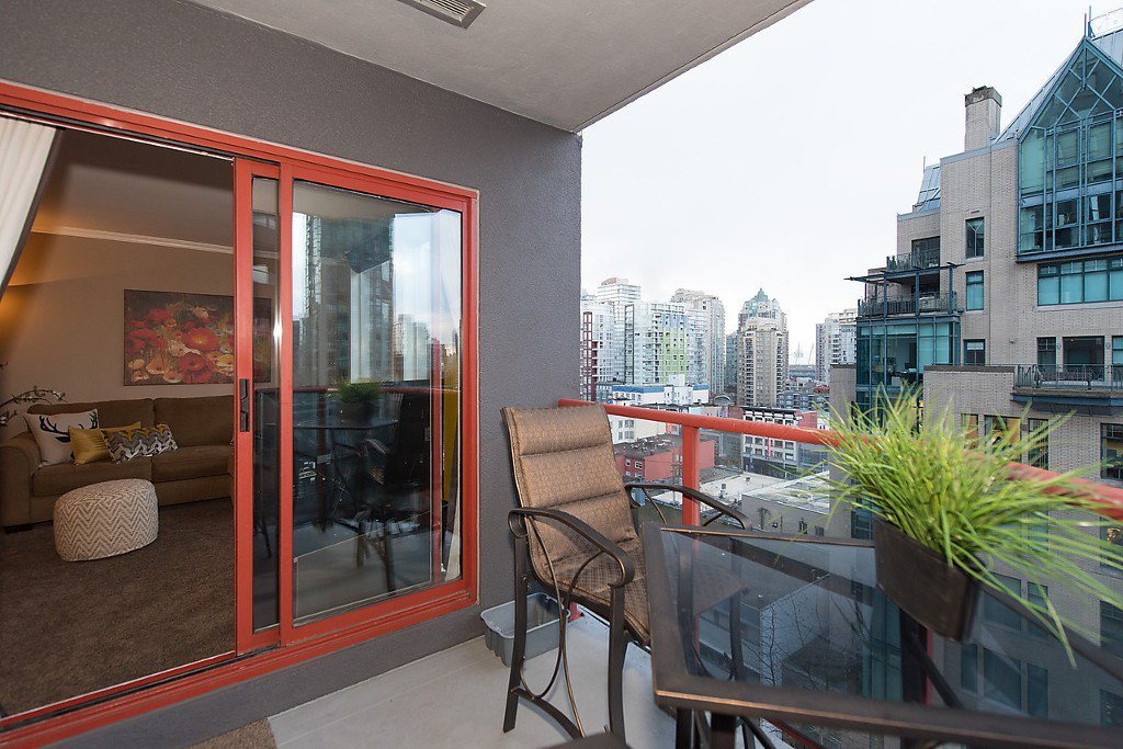"""Photo 13: Photos: 1002 811 HELMCKEN Street in Vancouver: Downtown VW Condo for sale in """"Imperial Tower"""" (Vancouver West)  : MLS®# R2022675"""