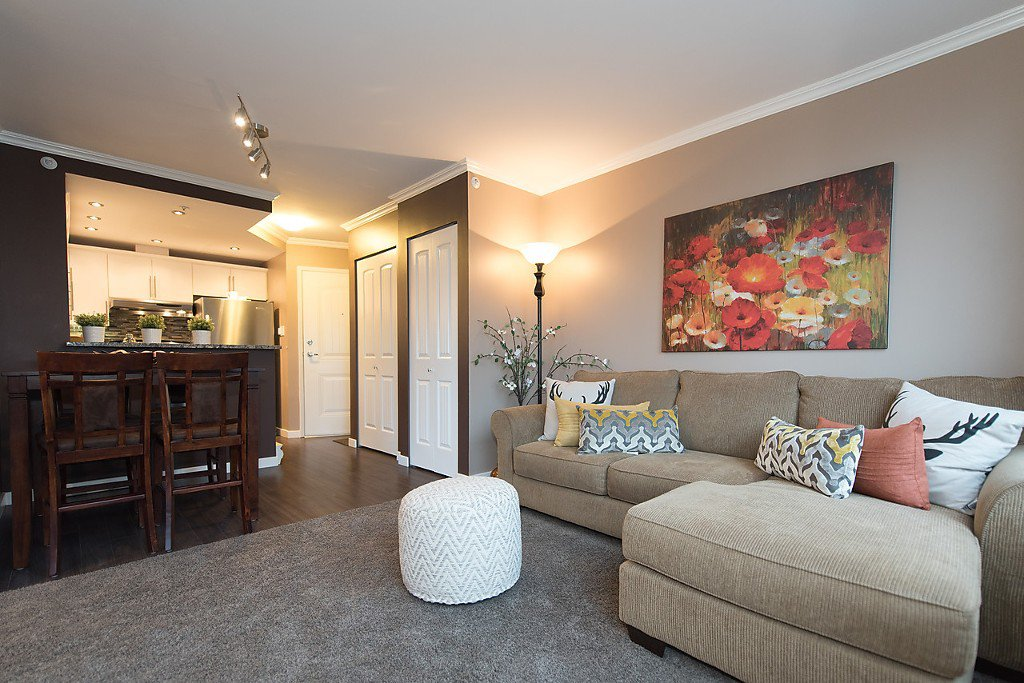 """Photo 6: Photos: 1002 811 HELMCKEN Street in Vancouver: Downtown VW Condo for sale in """"Imperial Tower"""" (Vancouver West)  : MLS®# R2022675"""