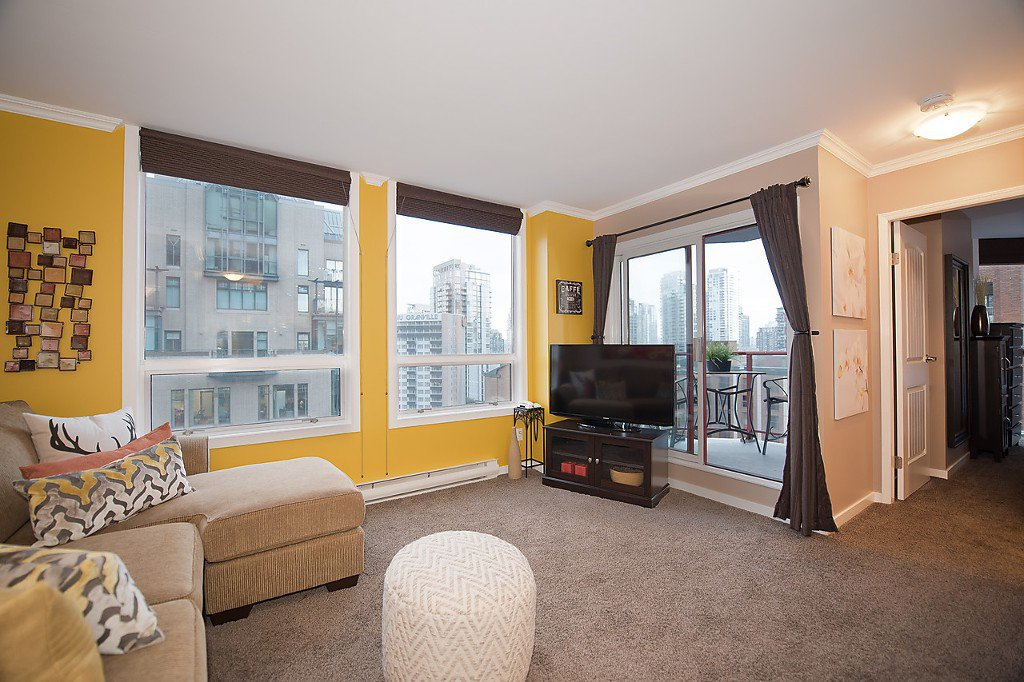 """Photo 7: Photos: 1002 811 HELMCKEN Street in Vancouver: Downtown VW Condo for sale in """"Imperial Tower"""" (Vancouver West)  : MLS®# R2022675"""