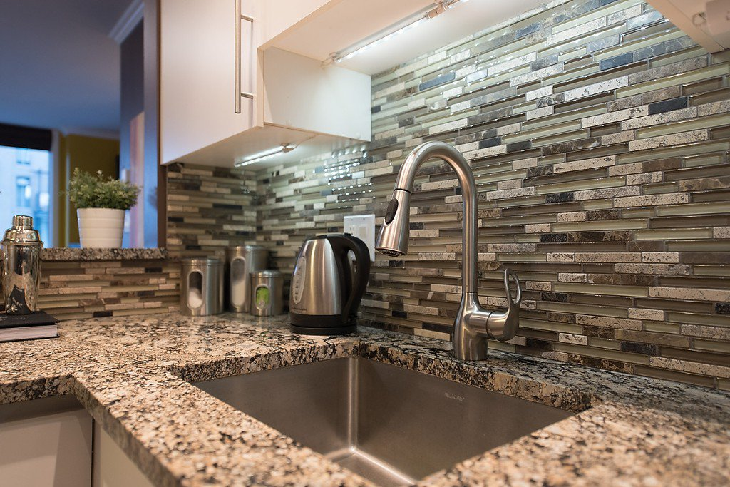 """Photo 3: Photos: 1002 811 HELMCKEN Street in Vancouver: Downtown VW Condo for sale in """"Imperial Tower"""" (Vancouver West)  : MLS®# R2022675"""