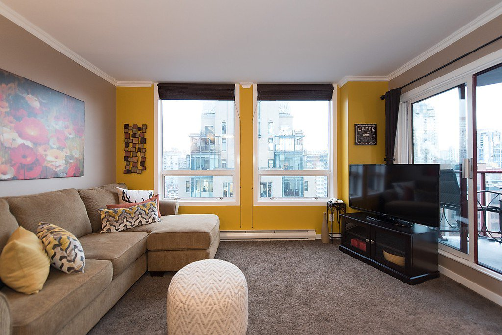 """Photo 4: Photos: 1002 811 HELMCKEN Street in Vancouver: Downtown VW Condo for sale in """"Imperial Tower"""" (Vancouver West)  : MLS®# R2022675"""