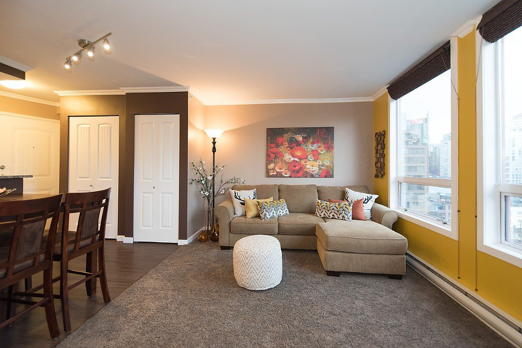 """Photo 8: Photos: 1002 811 HELMCKEN Street in Vancouver: Downtown VW Condo for sale in """"Imperial Tower"""" (Vancouver West)  : MLS®# R2022675"""