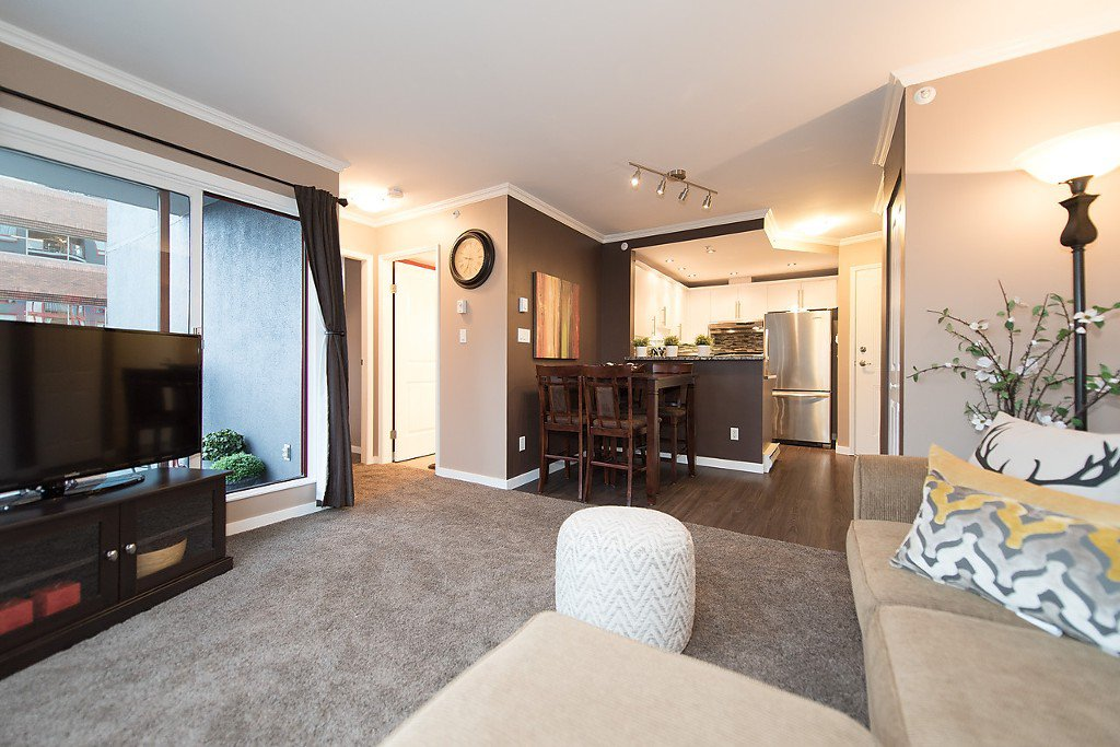 """Photo 10: Photos: 1002 811 HELMCKEN Street in Vancouver: Downtown VW Condo for sale in """"Imperial Tower"""" (Vancouver West)  : MLS®# R2022675"""