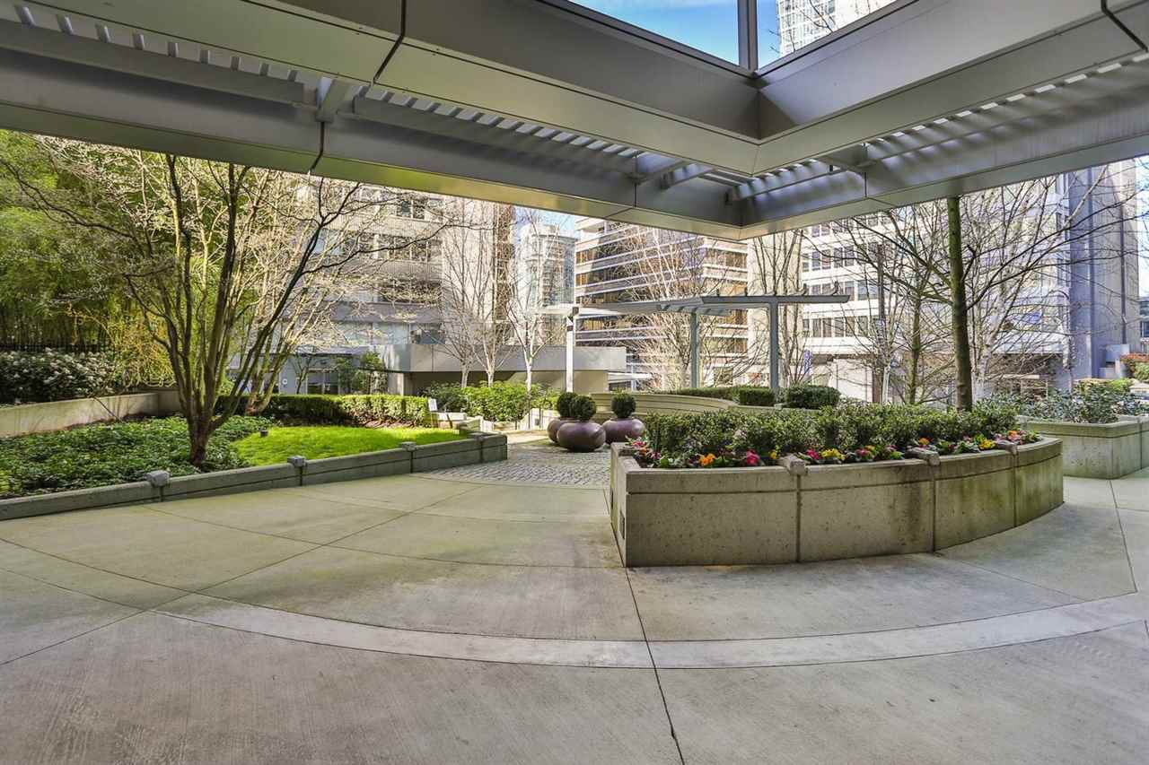Photo 16: Photos: 905 1420 W GEORGIA Street in Vancouver: Yaletown Condo for sale (Vancouver West)  : MLS®# R2048221