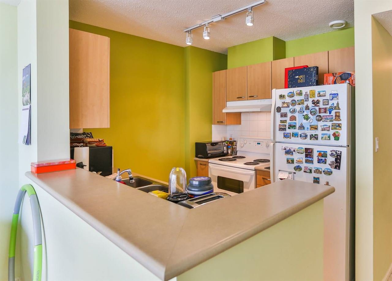 Photo 10: Photos: 905 1420 W GEORGIA Street in Vancouver: Yaletown Condo for sale (Vancouver West)  : MLS®# R2048221