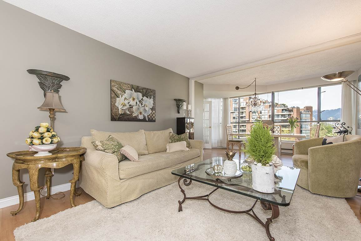 """Main Photo: 506 1490 PENNYFARTHING Drive in Vancouver: False Creek Condo for sale in """"Harbour Cove 3"""" (Vancouver West)  : MLS®# R2059865"""