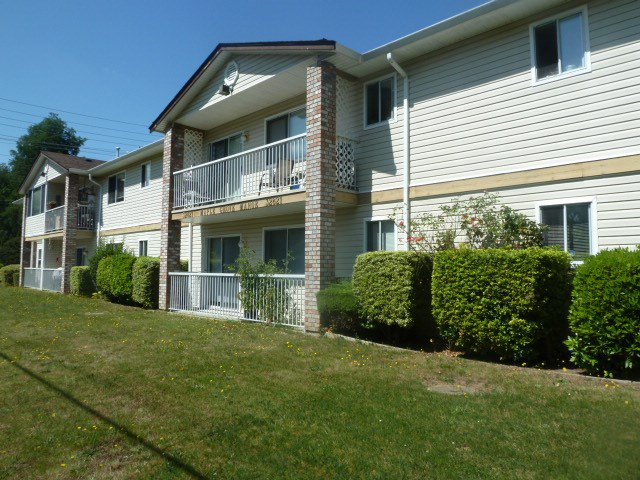 """Main Photo: 3 32821 6TH Avenue in Mission: Mission BC Townhouse for sale in """"MAPLE MANOR"""" : MLS®# R2098093"""