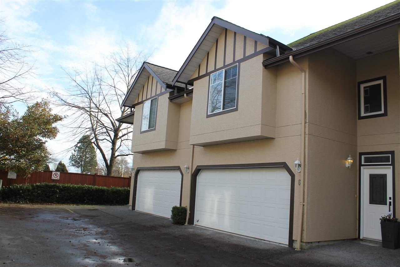 "Main Photo: 6 4788 57 Street in Delta: Delta Manor Townhouse for sale in ""LADNER ESTATES"" (Ladner)  : MLS®# R2123183"