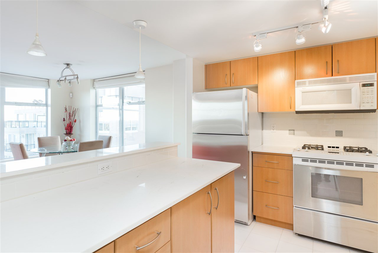 "Photo 6: Photos: 1803 8460 GRANVILLE Avenue in Richmond: Brighouse South Condo for sale in ""CORONADO AT THE PALMS"" : MLS®# R2142416"