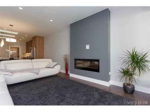 Photo 4: Photos: 221 Bellamy Link in VICTORIA: La Thetis Heights Half Duplex for sale (Langford)  : MLS®# 753483