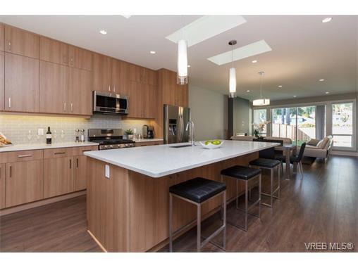 Photo 9: Photos: 221 Bellamy Link in VICTORIA: La Thetis Heights Half Duplex for sale (Langford)  : MLS®# 753483