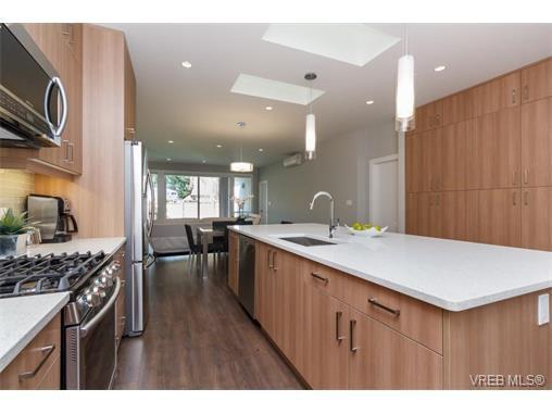 Photo 8: Photos: 221 Bellamy Link in VICTORIA: La Thetis Heights Half Duplex for sale (Langford)  : MLS®# 753483