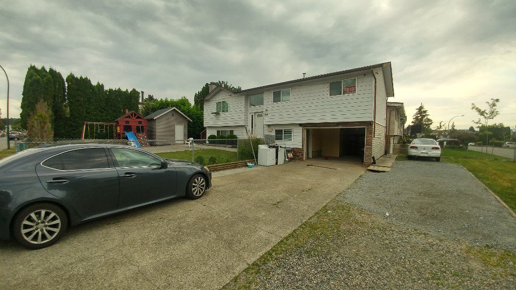 Main Photo: 32175 Astoria Crescent in Abbotsford: Abbotsford West House for rent