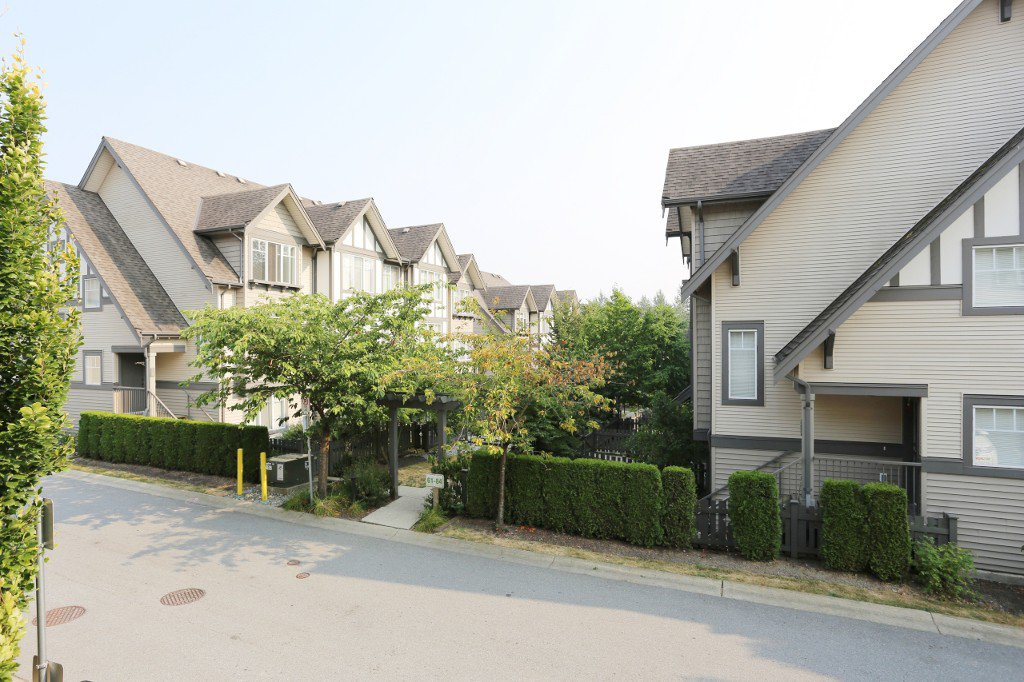 """Photo 11: Photos: 56 20038 70 Avenue in Langley: Willoughby Heights Townhouse for sale in """"DAYBREAK"""" : MLS®# R2195440"""