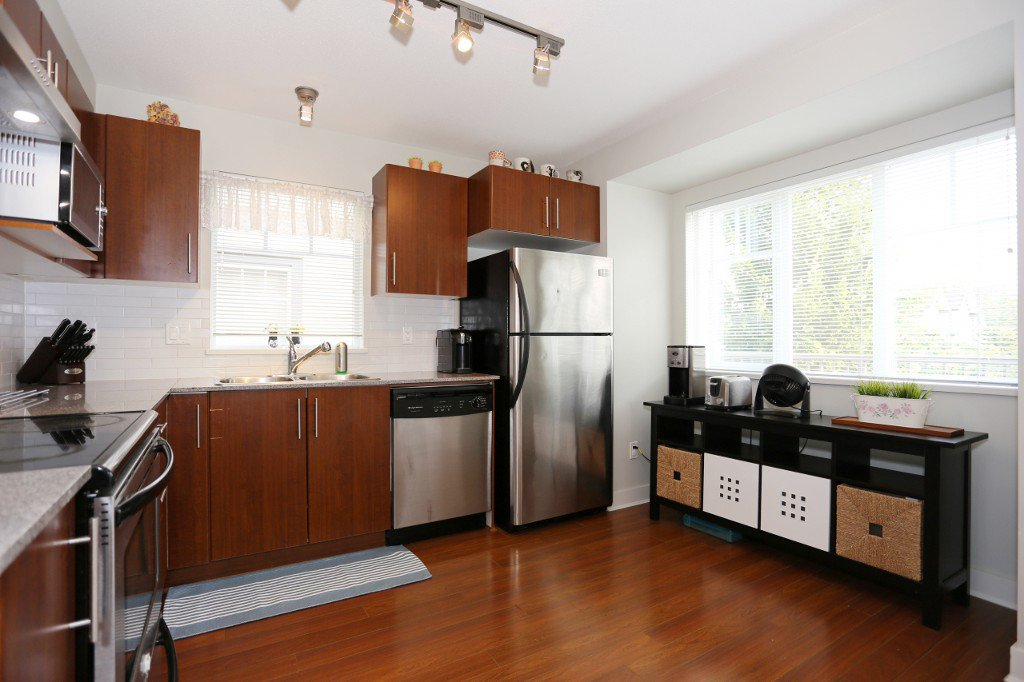 """Photo 4: Photos: 56 20038 70 Avenue in Langley: Willoughby Heights Townhouse for sale in """"DAYBREAK"""" : MLS®# R2195440"""