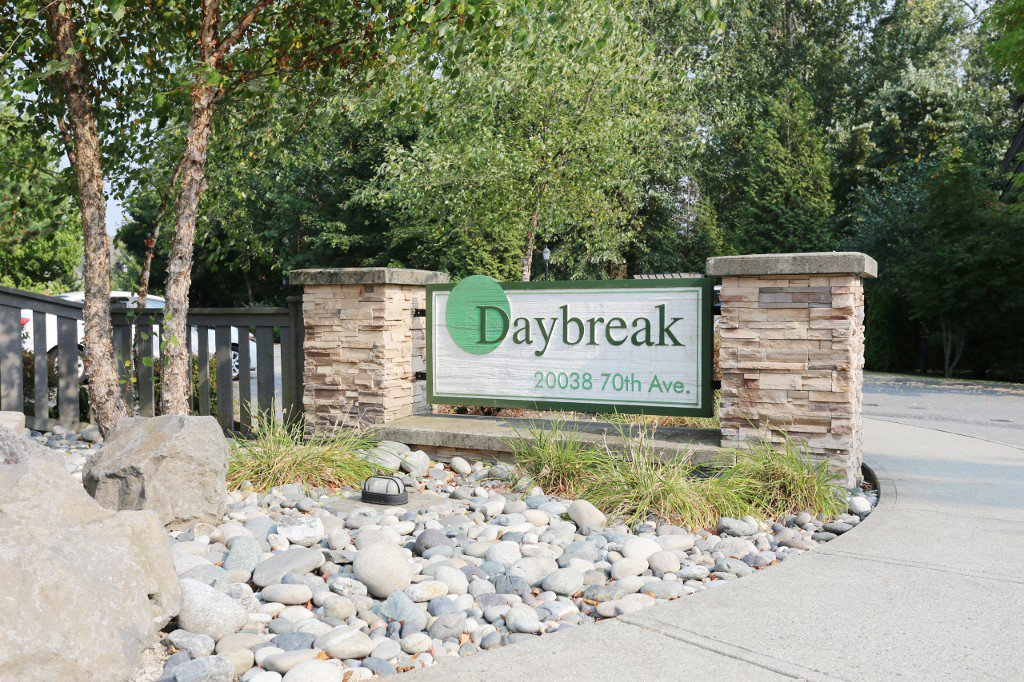 "Main Photo: 56 20038 70 Avenue in Langley: Willoughby Heights Townhouse for sale in ""DAYBREAK"" : MLS®# R2195440"