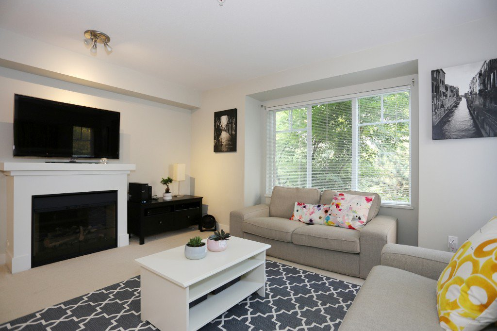 """Photo 13: Photos: 56 20038 70 Avenue in Langley: Willoughby Heights Townhouse for sale in """"DAYBREAK"""" : MLS®# R2195440"""