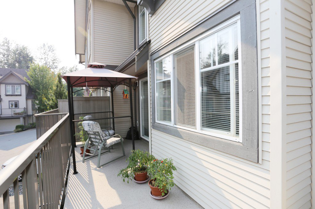 """Photo 10: Photos: 56 20038 70 Avenue in Langley: Willoughby Heights Townhouse for sale in """"DAYBREAK"""" : MLS®# R2195440"""