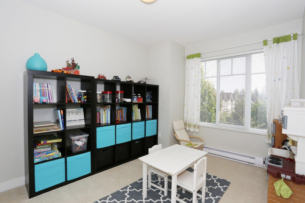 """Photo 21: Photos: 56 20038 70 Avenue in Langley: Willoughby Heights Townhouse for sale in """"DAYBREAK"""" : MLS®# R2195440"""