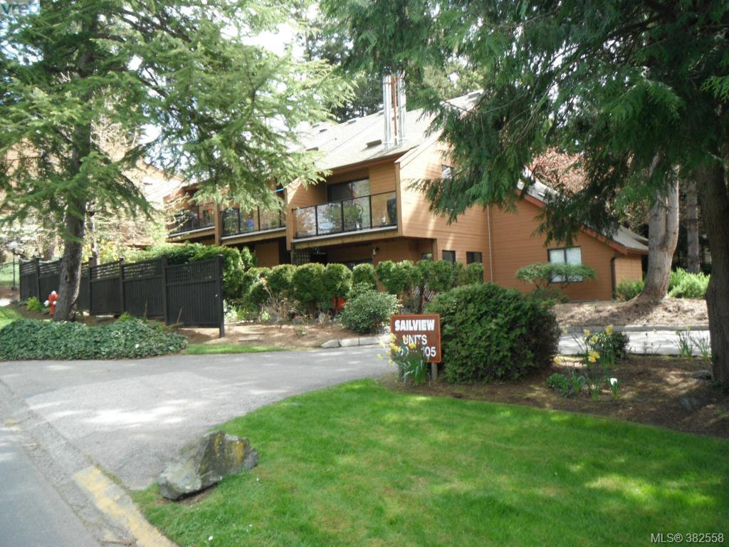 Main Photo: 102 2341 Harbour Rd in SIDNEY: Si Sidney North-East Row/Townhouse for sale (Sidney)  : MLS®# 768663