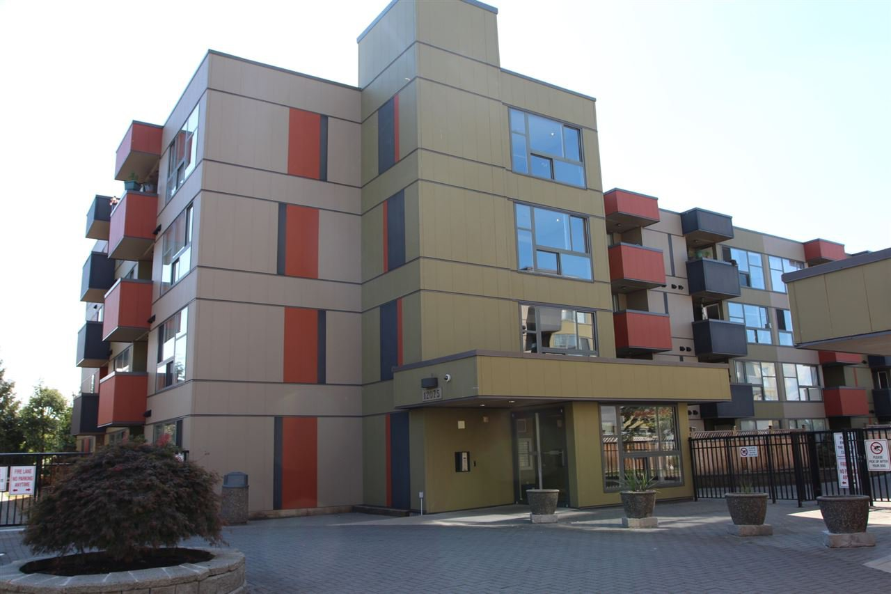 "Main Photo: 304 12075 228 Street in Maple Ridge: East Central Condo for sale in ""RIO"" : MLS®# R2205671"