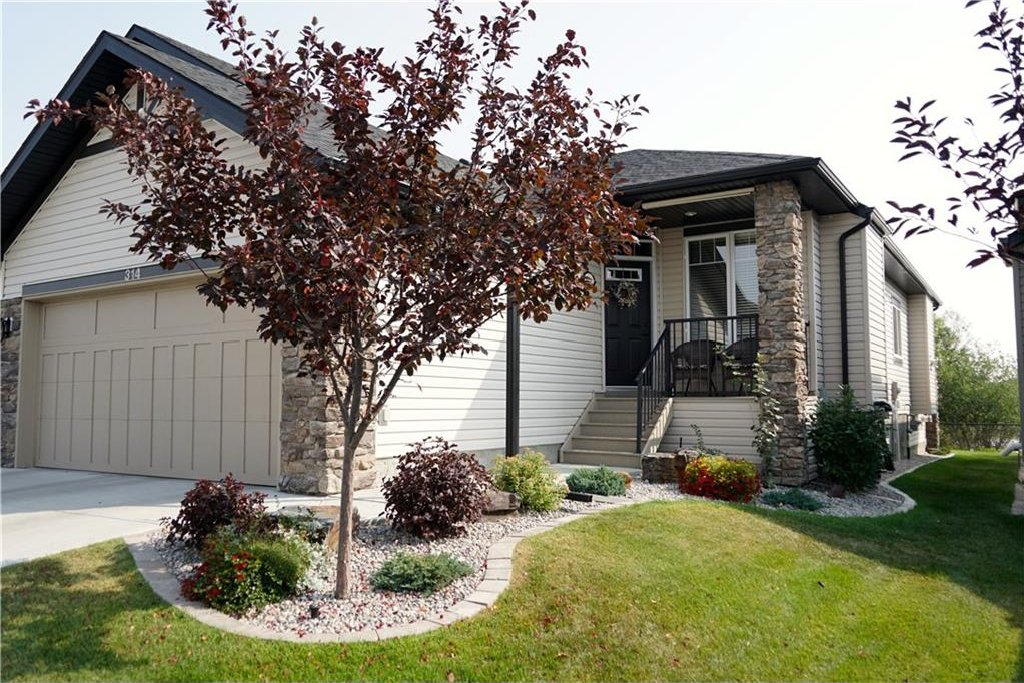 Main Photo: 314 CRYSTAL GREEN Rise: Okotoks House for sale : MLS®# C4138199