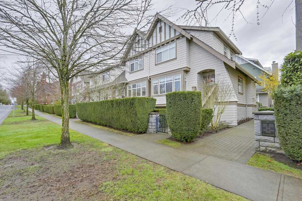 "Main Photo: 5372 LARCH Street in Vancouver: Kerrisdale Townhouse for sale in ""LARCHWOOD"" (Vancouver West)  : MLS®# R2239584"