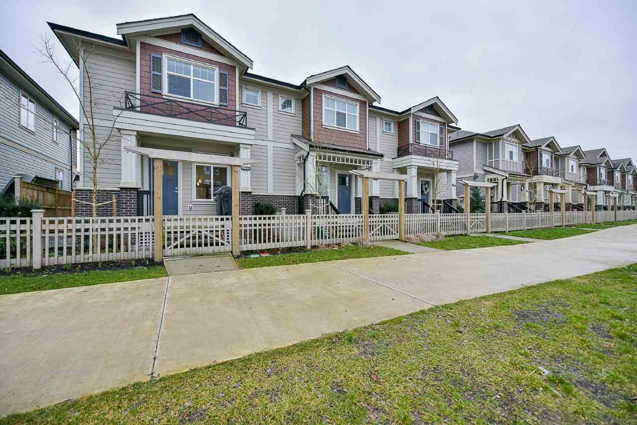 Main Photo: 20436 84 AVENUE in Langley: Willoughby Heights Condo for sale : MLS®# R2238079