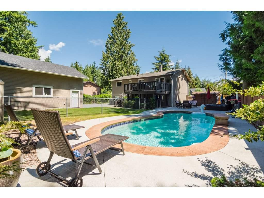 Main Photo: 3807 201A Street in Langley: Brookswood Langley House for sale : MLS®# R2278368