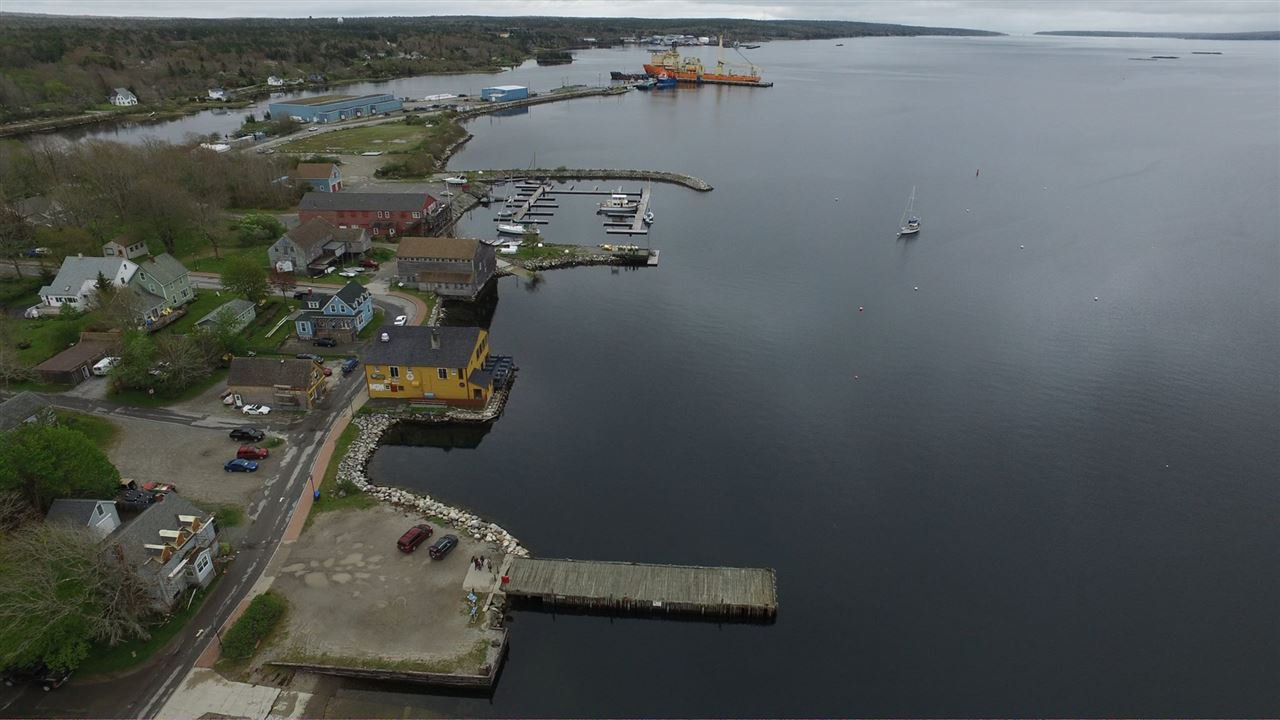 Photo 30: Photos: 1 Dock Street in Shelburne: 407-Shelburne County Commercial  (South Shore)  : MLS®# 202022424