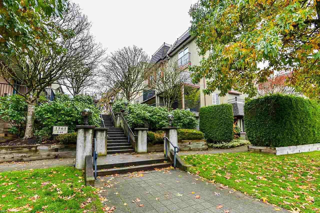 """Main Photo: 25 1561 BOOTH Avenue in Coquitlam: Maillardville Townhouse for sale in """"The Courcelles"""" : MLS®# R2517997"""
