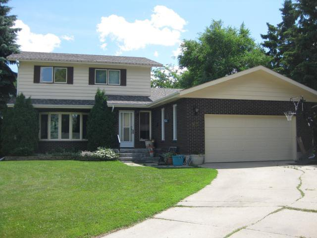 Main Photo: 62 Ranch Place in WINNIPEG: North Kildonan Residential for sale (North East Winnipeg)  : MLS®# 1113772