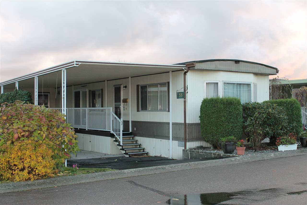"Main Photo: 55 2120 KING GEORGE Boulevard in Surrey: King George Corridor Manufactured Home for sale in ""Five Oaks"" (South Surrey White Rock)  : MLS®# R2015484"