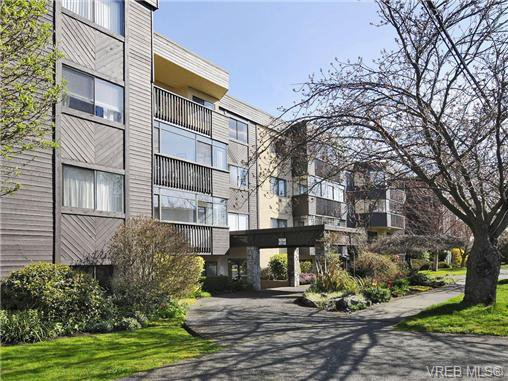 Main Photo: 108 1012 Collinson Street in VICTORIA: Vi Fairfield West Condo Apartment for sale (Victoria)  : MLS®# 362001