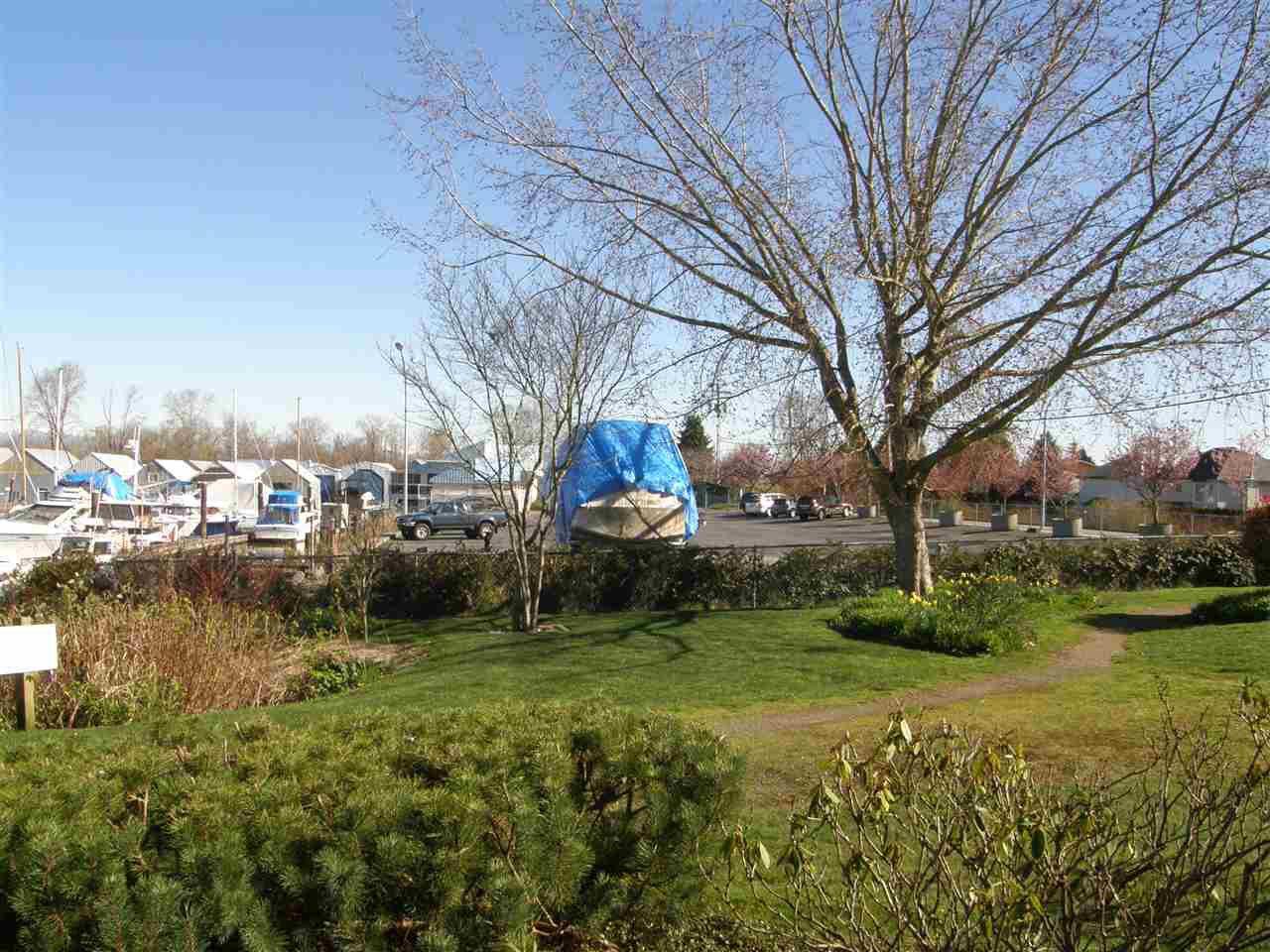 "Photo 17: Photos: 112 4955 RIVER Road in Delta: Neilsen Grove Condo for sale in ""SHOREWALK"" (Ladner)  : MLS®# R2047368"