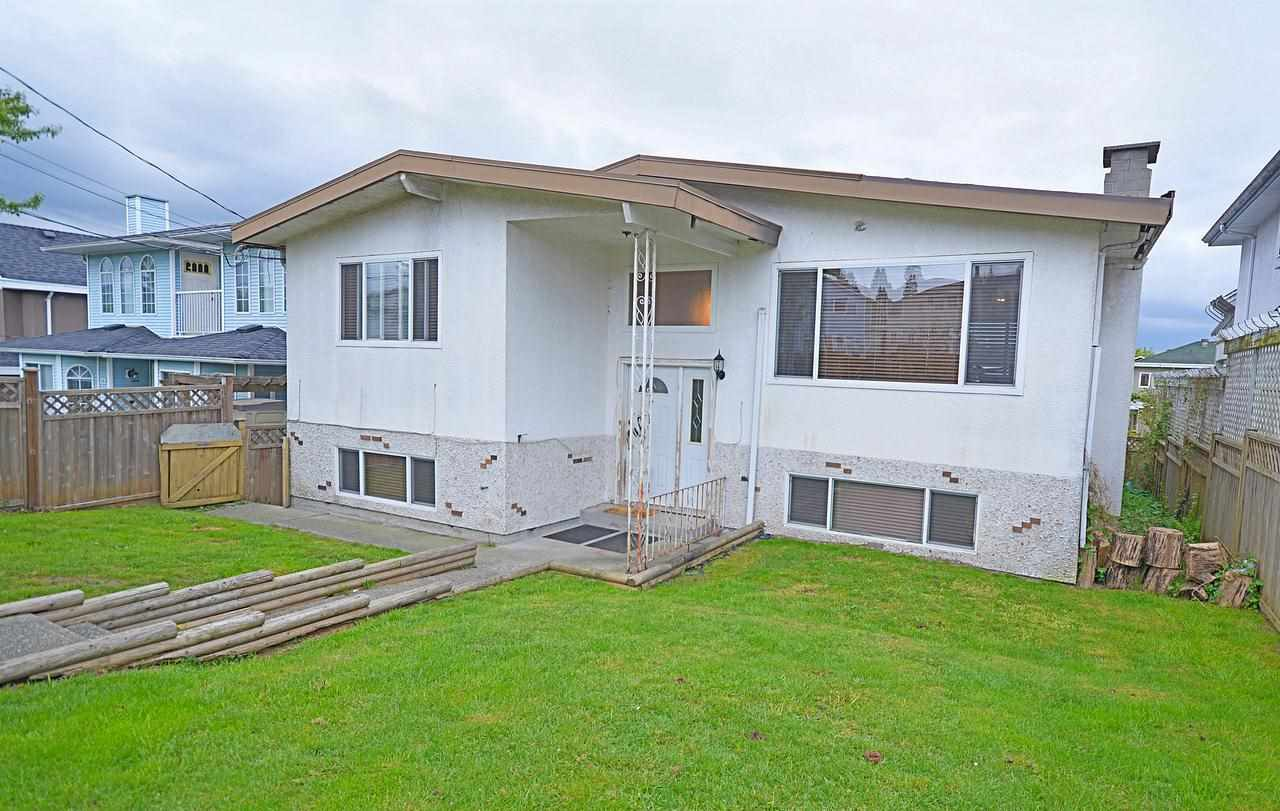 Main Photo: 524 E COLUMBIA Street in New Westminster: Sapperton House for sale : MLS®# R2056738