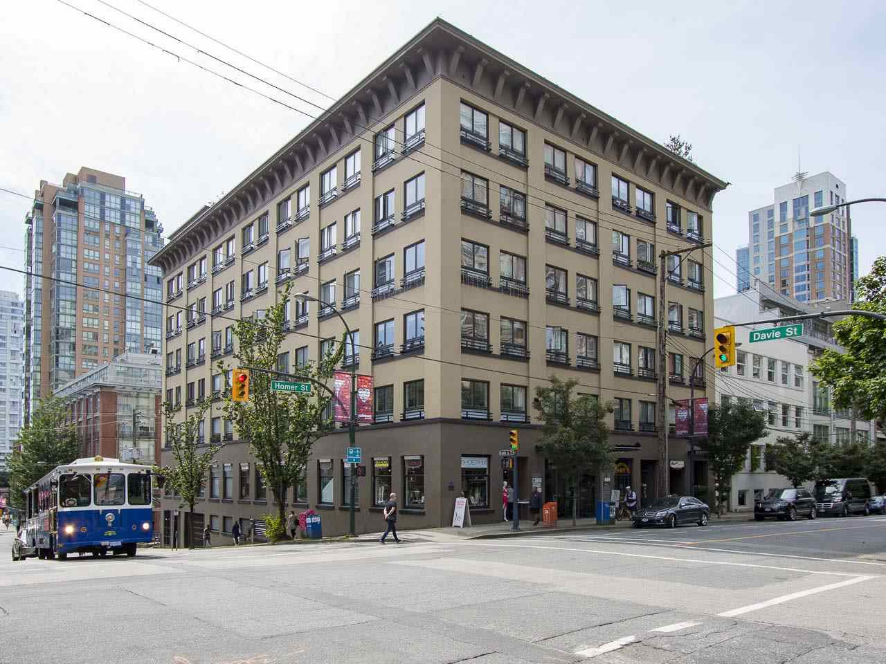 "Main Photo: 411 1216 HOMER Street in Vancouver: Yaletown Condo for sale in ""Murchies Building"" (Vancouver West)  : MLS®# R2076567"