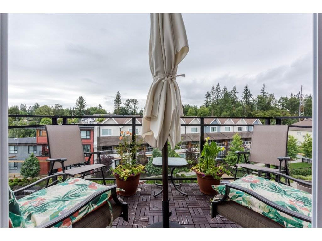 """Photo 2: Photos: 401 23255 BILLY BROWN Road in Langley: Fort Langley Condo for sale in """"The Village at Bedford Landing"""" : MLS®# R2084630"""