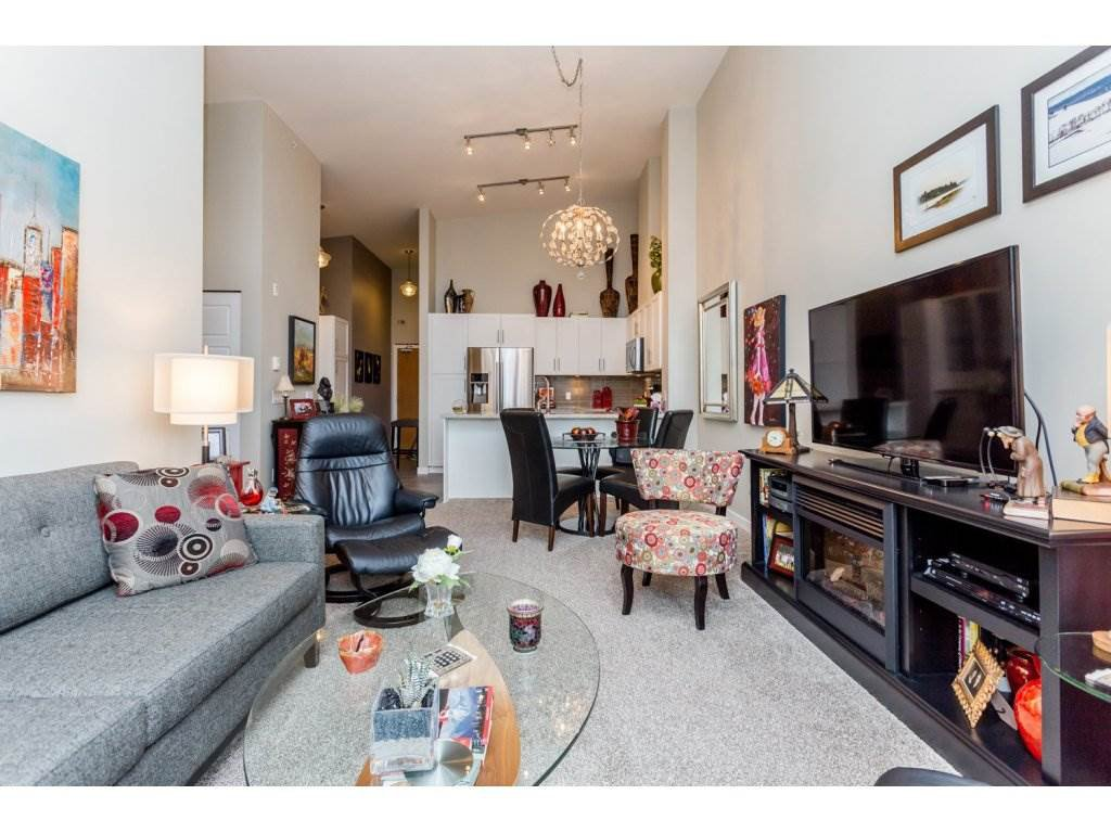 """Photo 8: Photos: 401 23255 BILLY BROWN Road in Langley: Fort Langley Condo for sale in """"The Village at Bedford Landing"""" : MLS®# R2084630"""