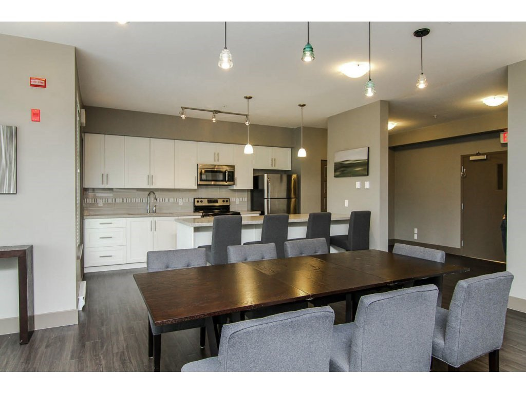 """Photo 18: Photos: 401 23255 BILLY BROWN Road in Langley: Fort Langley Condo for sale in """"The Village at Bedford Landing"""" : MLS®# R2084630"""
