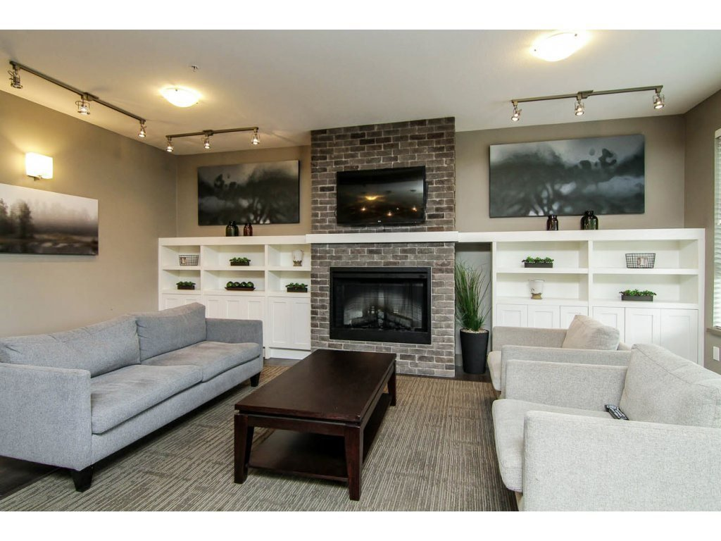 """Photo 17: Photos: 401 23255 BILLY BROWN Road in Langley: Fort Langley Condo for sale in """"The Village at Bedford Landing"""" : MLS®# R2084630"""