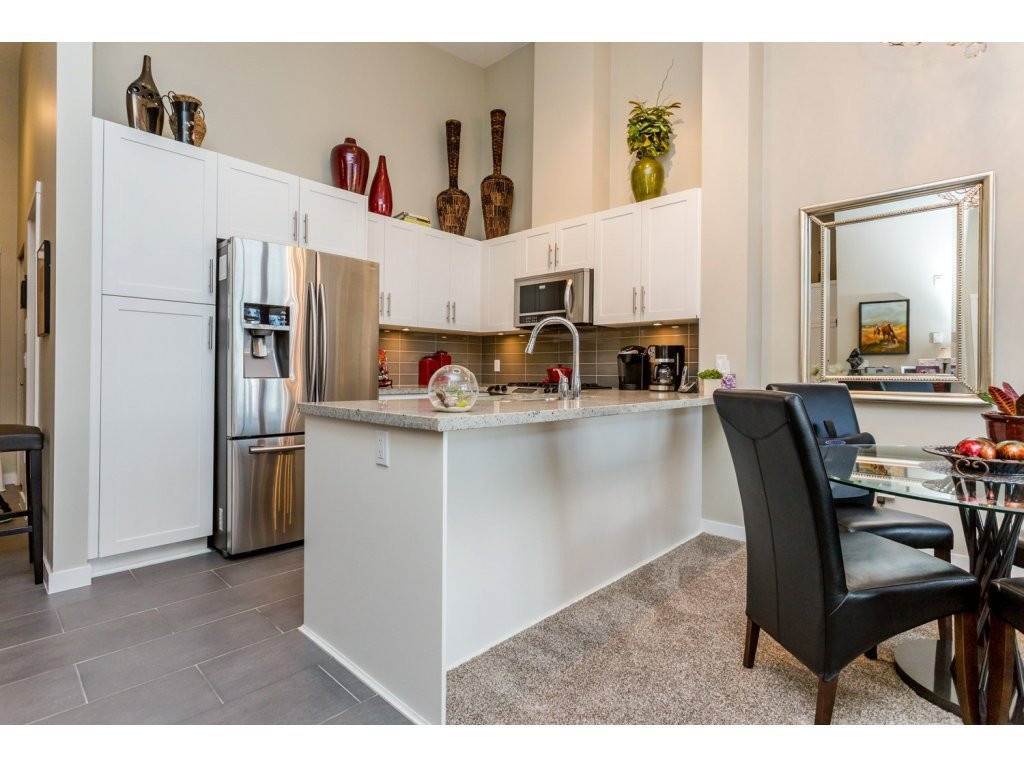 """Photo 5: Photos: 401 23255 BILLY BROWN Road in Langley: Fort Langley Condo for sale in """"The Village at Bedford Landing"""" : MLS®# R2084630"""