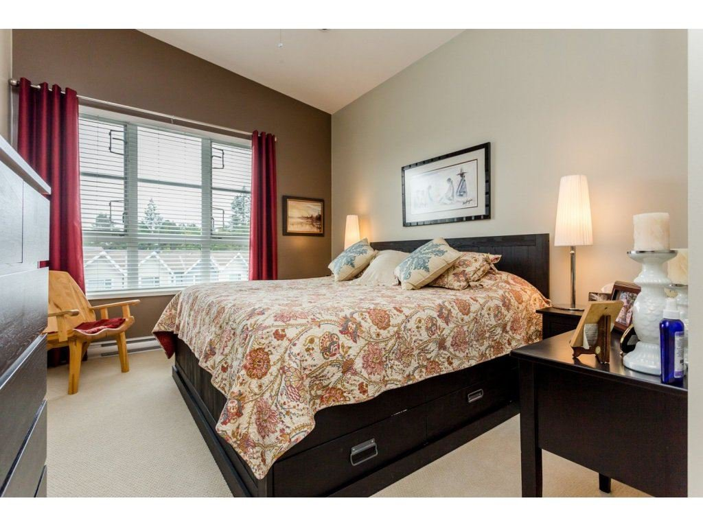 """Photo 9: Photos: 401 23255 BILLY BROWN Road in Langley: Fort Langley Condo for sale in """"The Village at Bedford Landing"""" : MLS®# R2084630"""