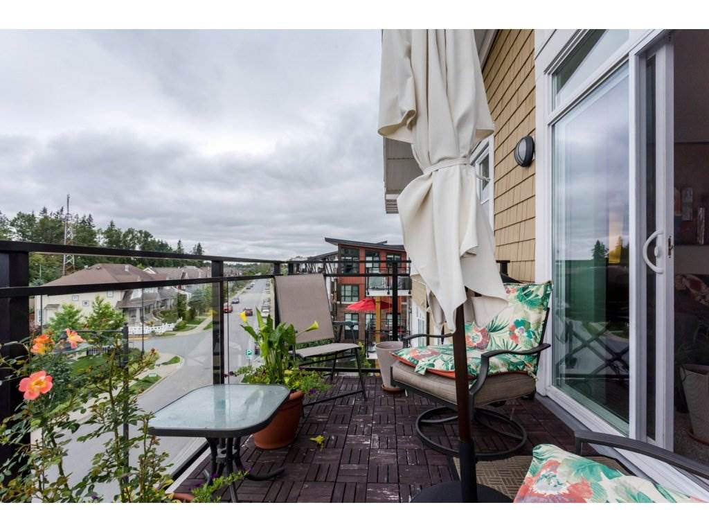 """Photo 15: Photos: 401 23255 BILLY BROWN Road in Langley: Fort Langley Condo for sale in """"The Village at Bedford Landing"""" : MLS®# R2084630"""
