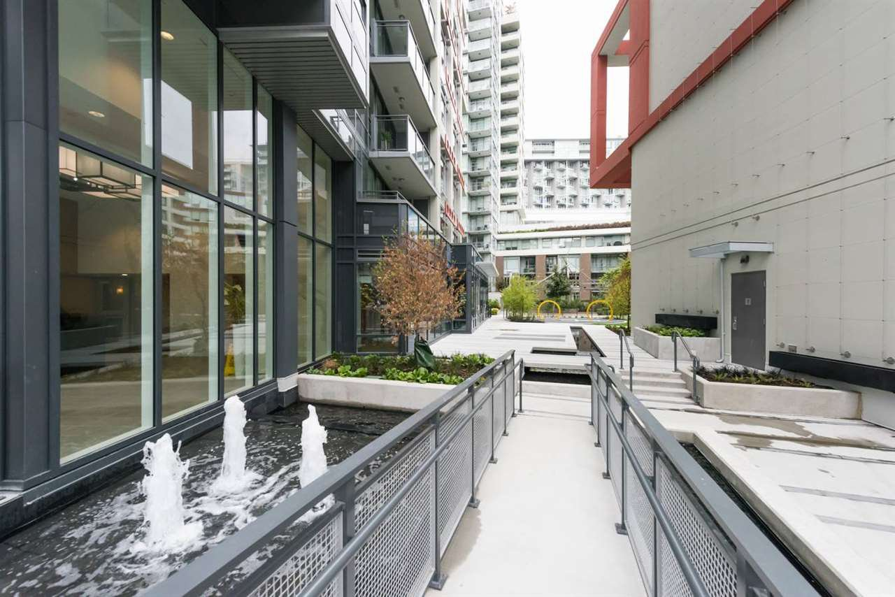 """Photo 15: Photos: 1611 111 E 1ST Avenue in Vancouver: Mount Pleasant VE Condo for sale in """"BLOCK 100"""" (Vancouver East)  : MLS®# R2106776"""