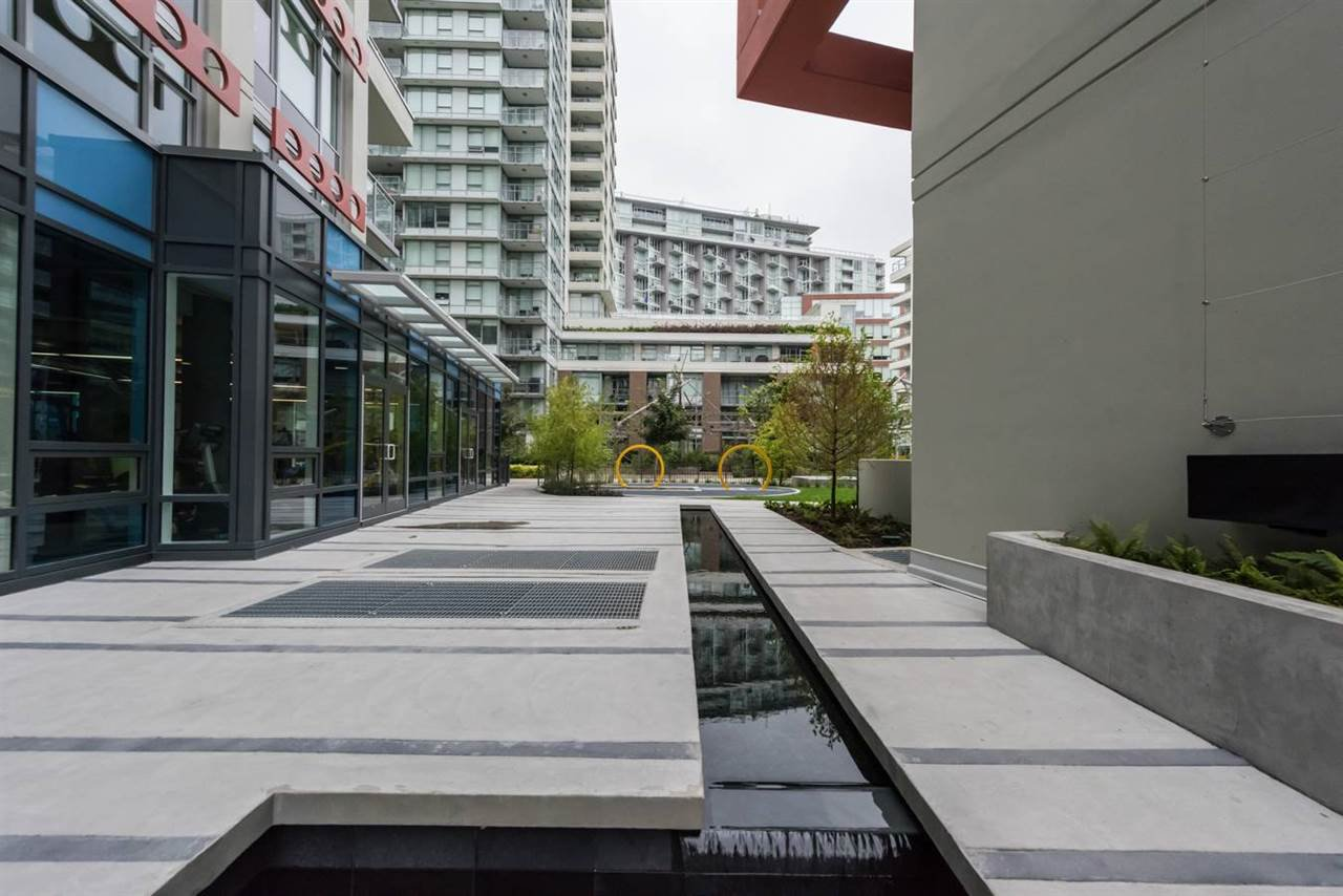 """Photo 16: Photos: 1611 111 E 1ST Avenue in Vancouver: Mount Pleasant VE Condo for sale in """"BLOCK 100"""" (Vancouver East)  : MLS®# R2106776"""