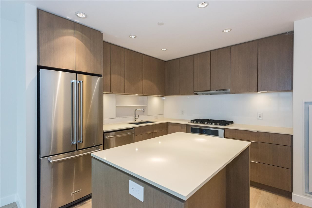 """Photo 5: Photos: 1611 111 E 1ST Avenue in Vancouver: Mount Pleasant VE Condo for sale in """"BLOCK 100"""" (Vancouver East)  : MLS®# R2106776"""